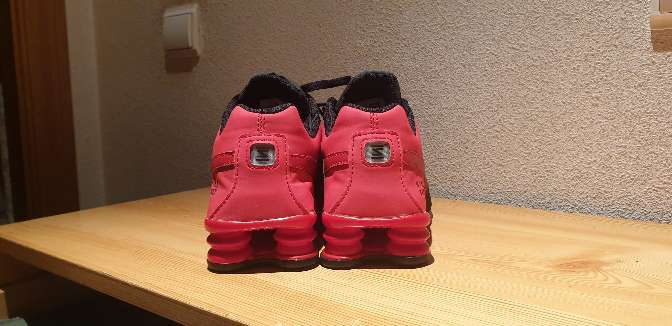 Imagen zapatillas nike rojas y negras
