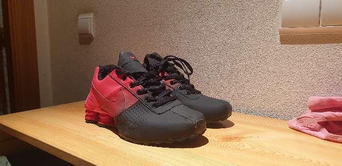 Imagen producto Zapatillas nike rojas y negras 2