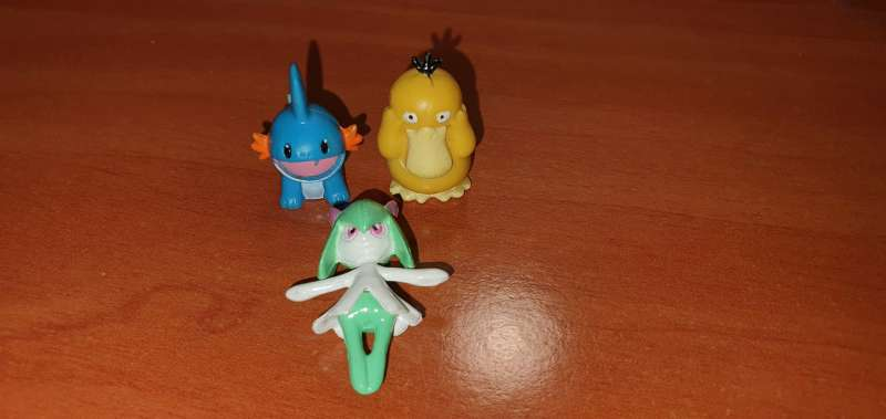 Imagen producto Lote De 3 Figuritas Pokémon 2
