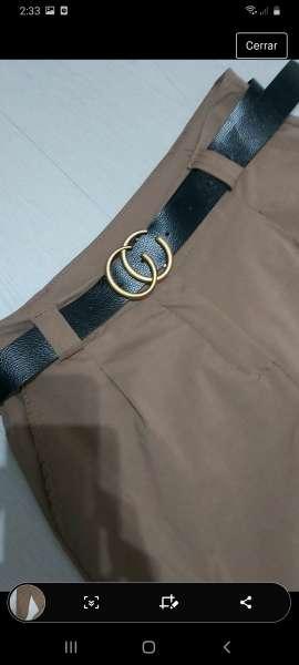 Imagen moda pantalon nuevo con etiqueta