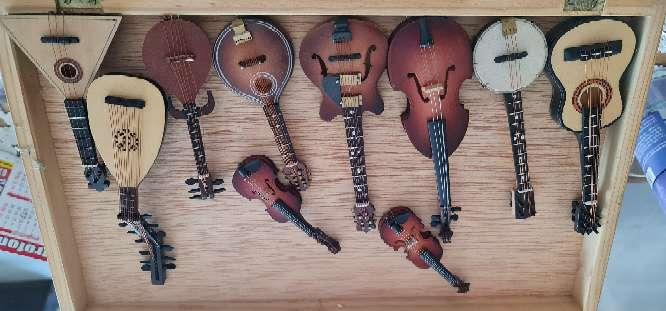 Imagen instrumentos miniaturas