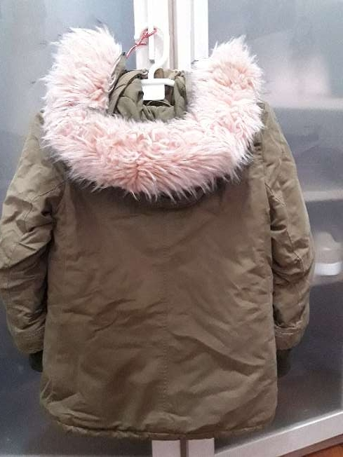 Imagen producto Abrigo con capucha rosa 1