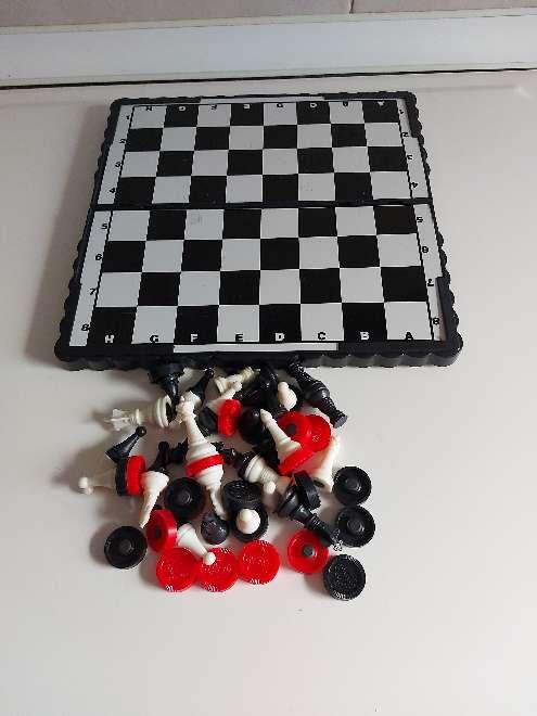 Imagen juego de damas magnetico