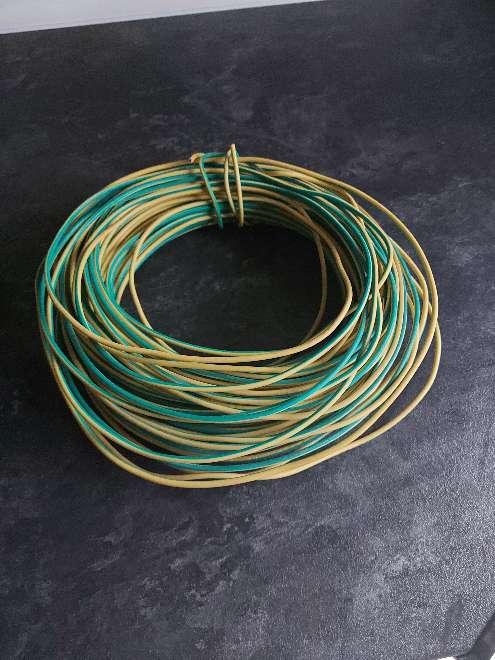 Imagen retal de 40 metros de cable  de toma tierra