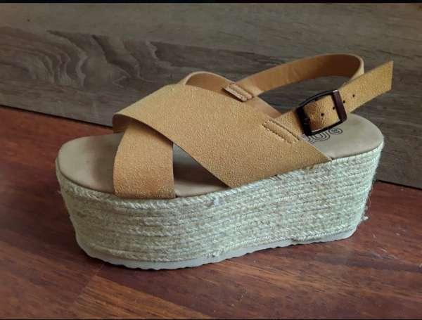 Imagen Zapatos tacón ancho