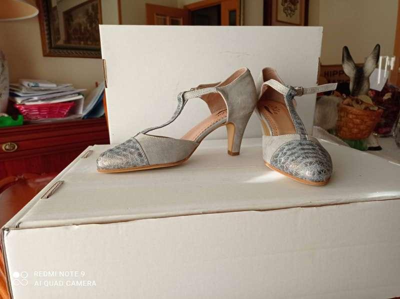 Imagen Vendo zapatos de fiesta nuevos