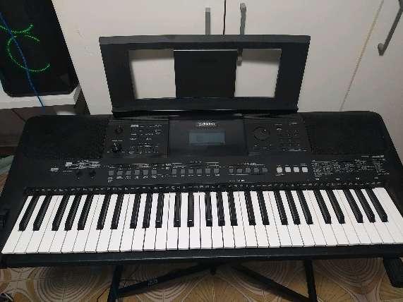 Imagen Piano de 61 teclas