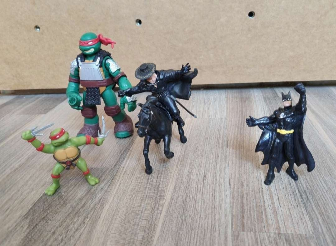 Imagen figuras super heroes