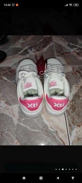Imagen producto Zapatillas de niña  2