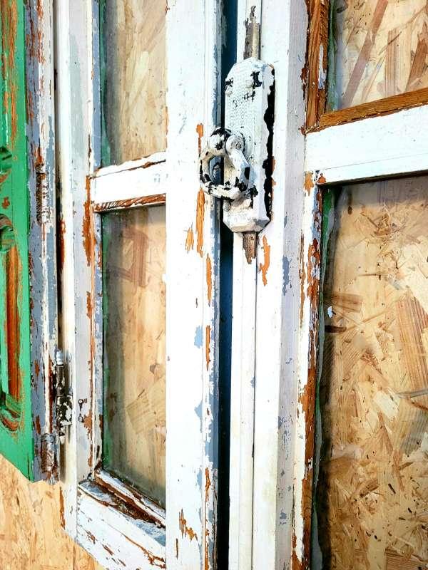 Imagen producto Ventana antigua decorada y restaurada 2