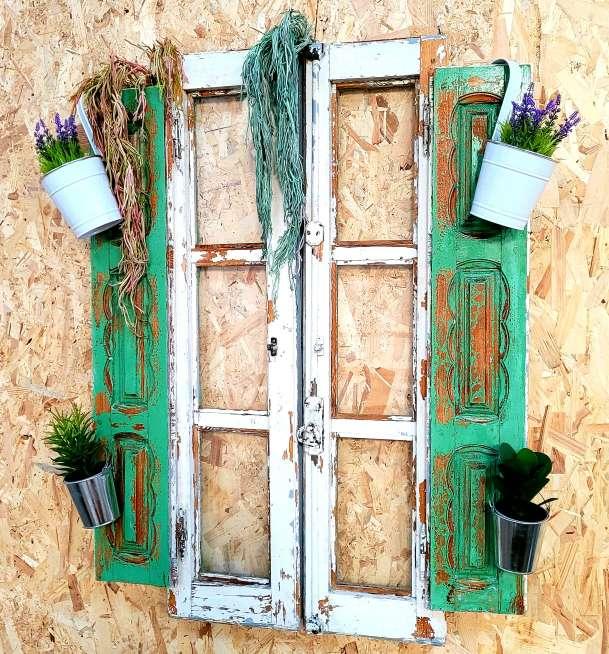 Imagen producto Ventana antigua decorada y restaurada 5