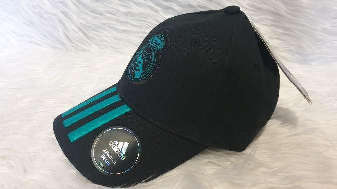 Imagen Gorra Adidas del Real Madrid negra, nueva