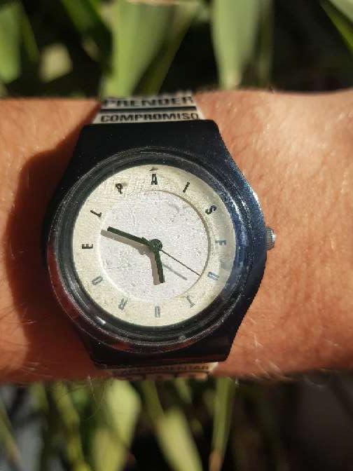Imagen producto Reloj 2007 El Pais. unisex NUEVO 3