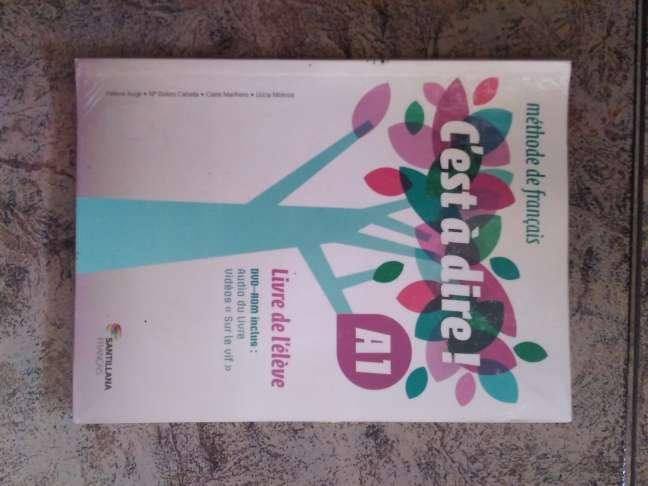Imagen Libro de francés 1° Bach Cest à dire A1 con CD + Cuadernillo de ejercicios con solucionario.