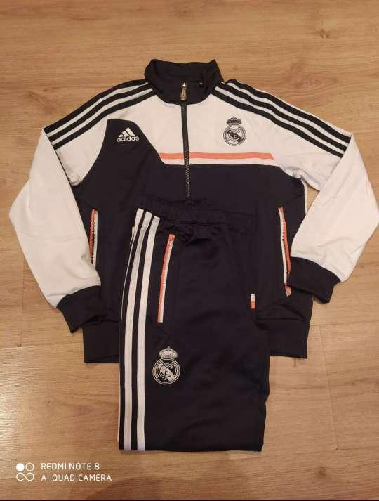 Imagen Chándal oficial Real Madrid niño 9-10 años