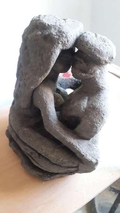 Imagen escultura estilo antiguo los enamorados