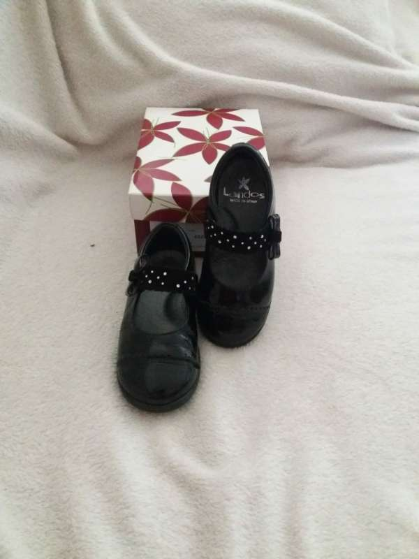 Imagen zapatos para niña