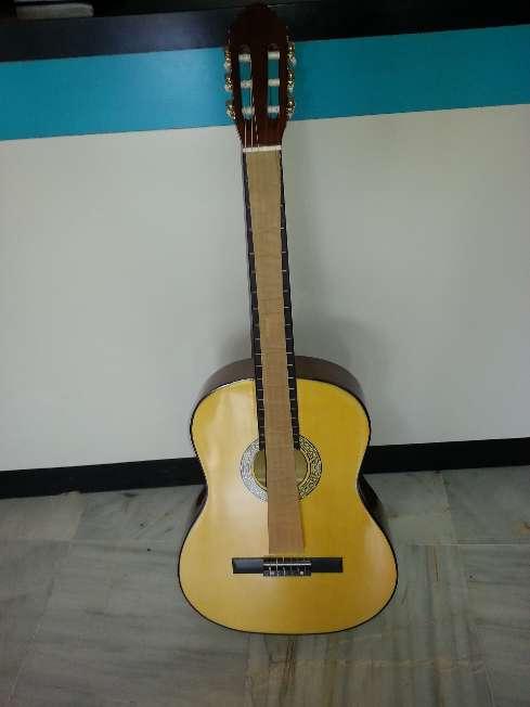 Imagen producto Guitarra de adulto menphis 966nr 5