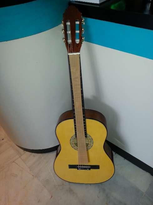 Imagen producto Guitarra de adulto menphis 966nr 4