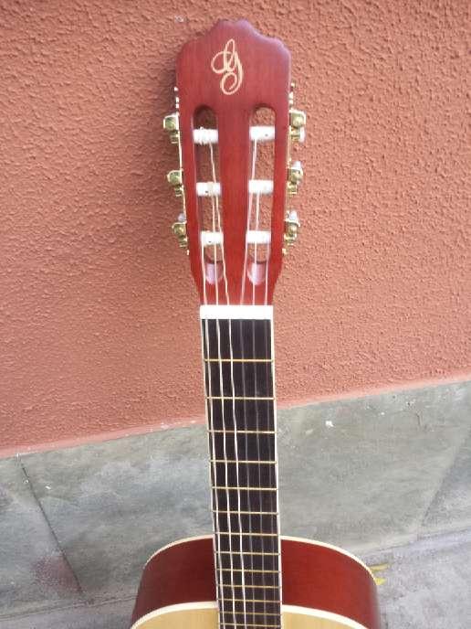 Imagen producto Guitarra de adulto gomez sin usar 2