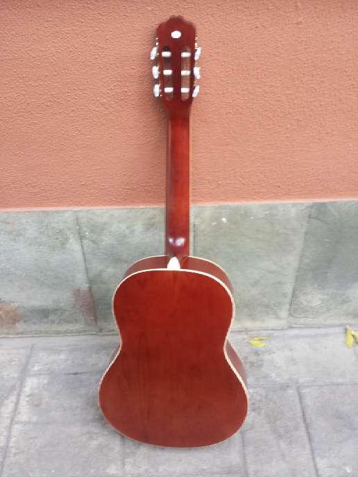 Imagen producto Guitarra de adulto gomez sin usar 7