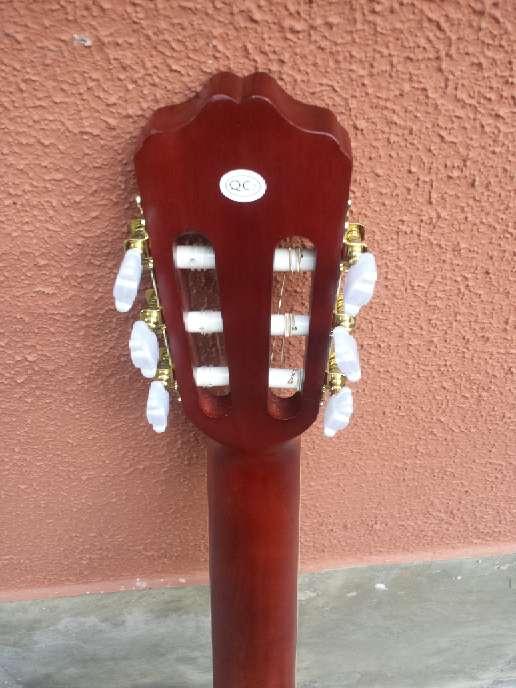 Imagen producto Guitarra de adulto gomez sin usar 6