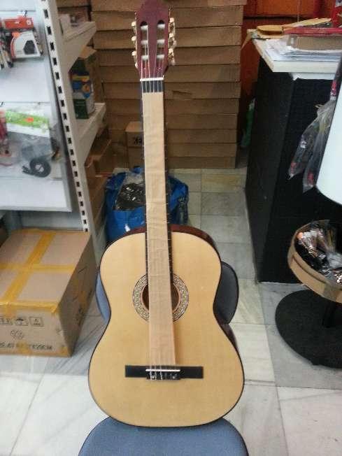 Imagen Guitarra menphis natura de adulto