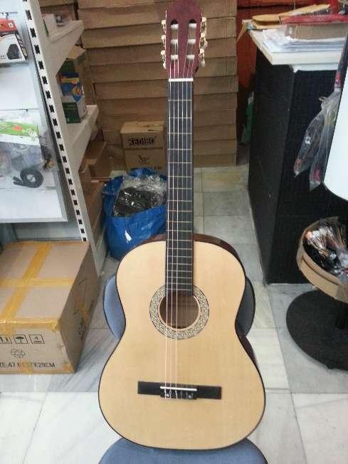 Imagen producto Guitarra menphis natura de adulto 2