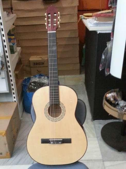 Imagen producto Guitarra menphis natura de adulto 3