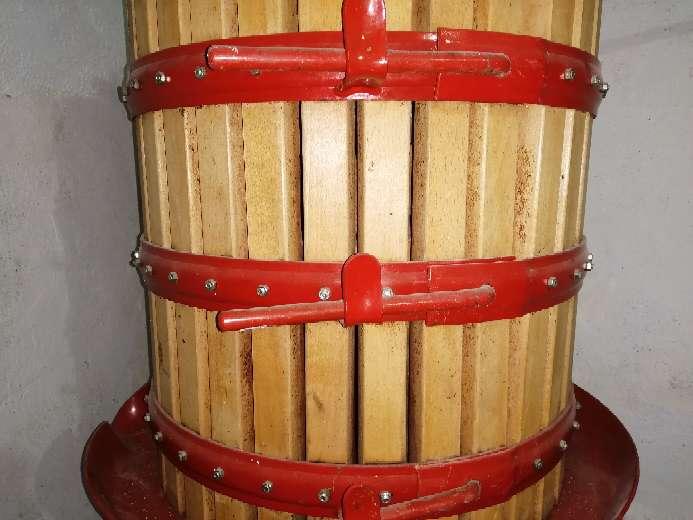 Imagen Se vende prensa de vino de madera