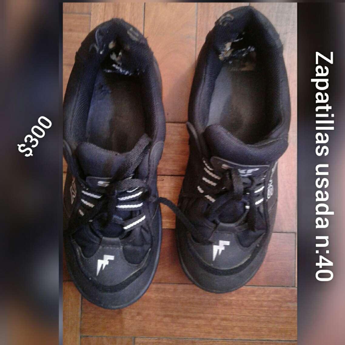 Imagen zapatillas negra