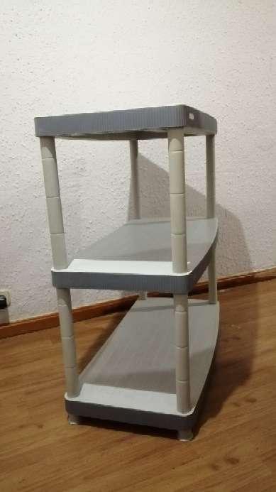 Imagen producto Mueble con 3 estantes 2
