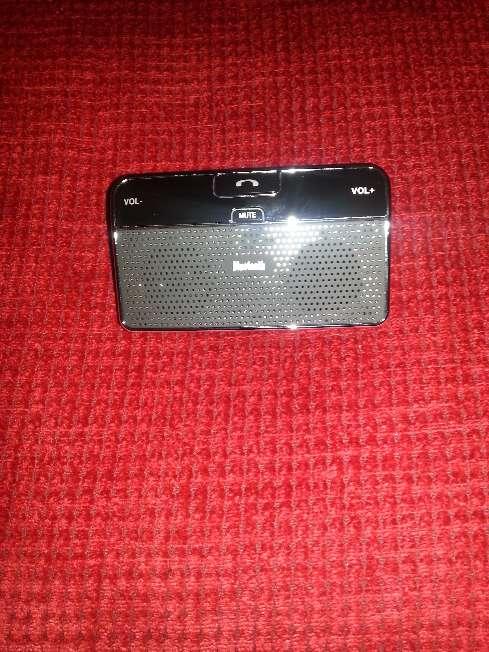 Imagen producto Manos libres bluetooth para llamadas en el coche dos altavoces 1