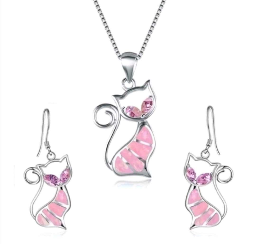 Imagen Colgante y Pendientes : Conjunto Gato Rosa, el regalo ideal