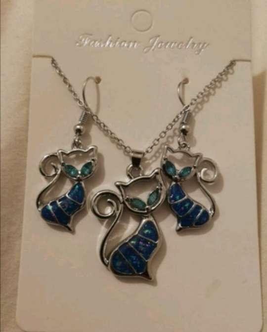 Imagen producto Colgante y Pendientes : Conjunto Gato Azul con reflejos, el regalo ideal  2