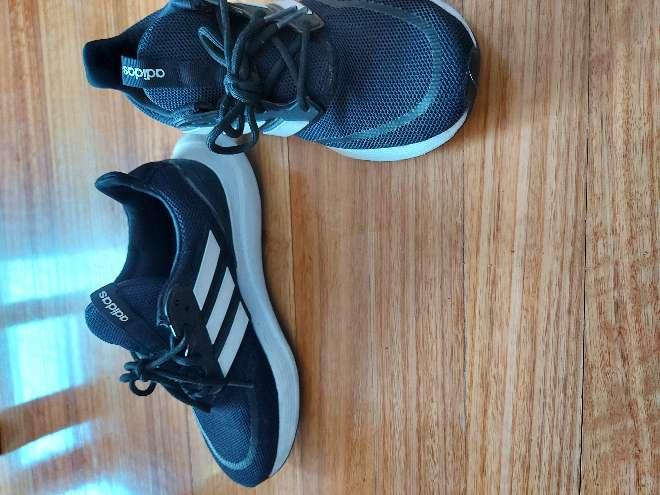 Imagen producto Zapatos de gimanso/correr poco usados 40 3