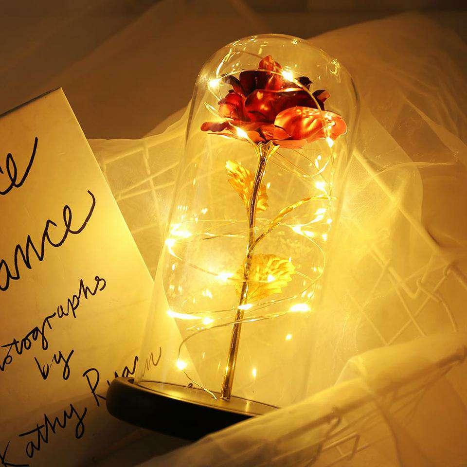 Imagen producto Lámpara de rosa con hoja de oro cúpula de cristal 5