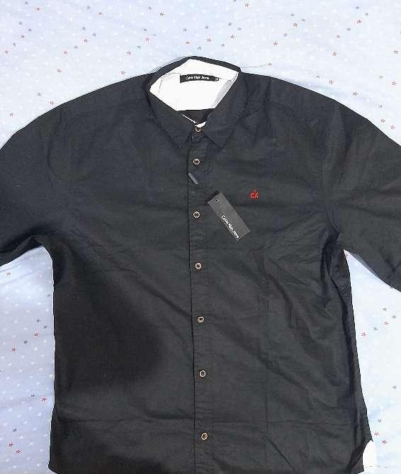 Imagen Camiseta Calvin Klein Jeans Preta