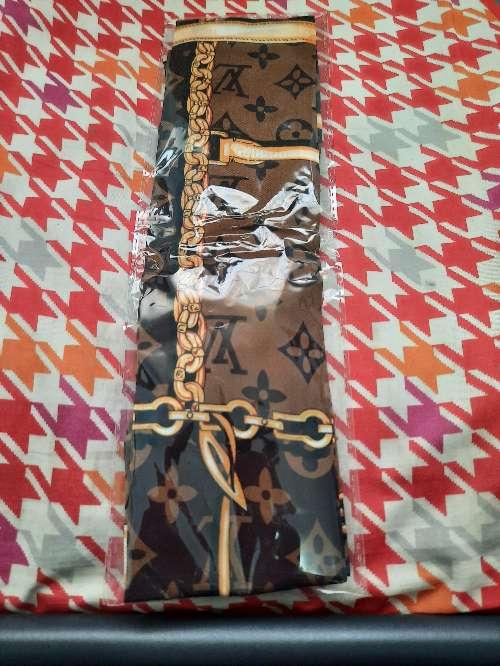 Imagen producto Bufanda Louis Vuitton marrón  5