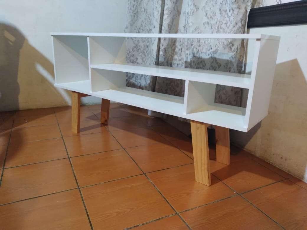 Imagen rack y hermosos muebles