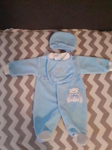 Imagen Conjunto de bebe azul de 0 a 9 meses