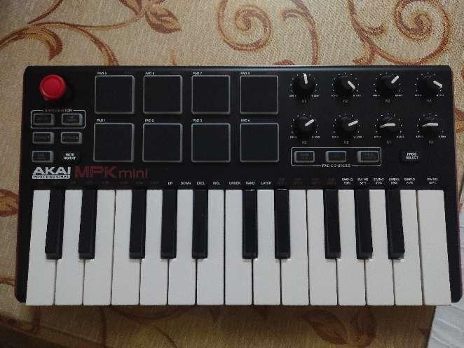 Imagen producto Akai MPK mini MK2 4