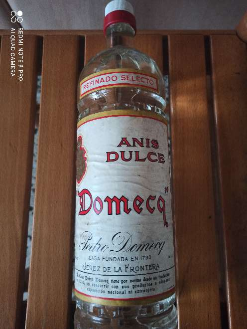 Imagen producto Botella antigua de anís dulce Pedro Domecq 2