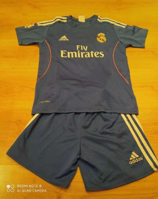 Imagen Conjunto azul Real Madrid 12 años