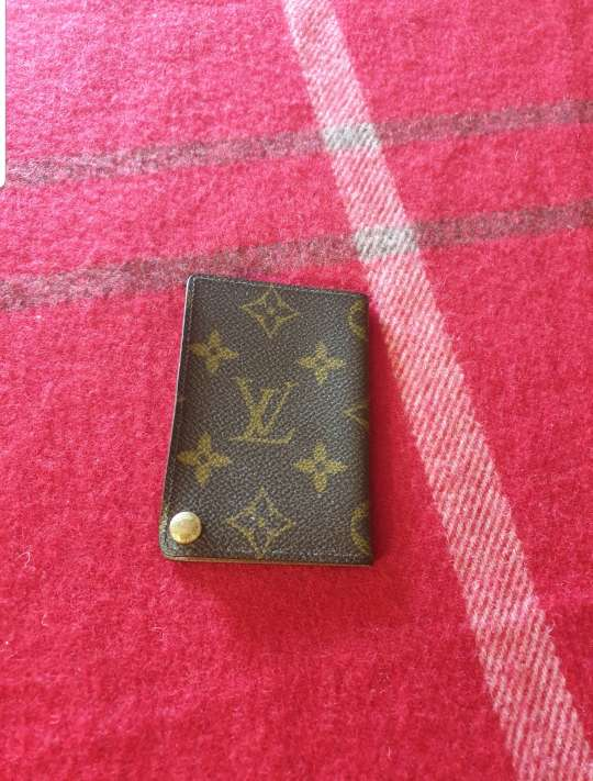 Imagen Louis vuitton card holder. Original
