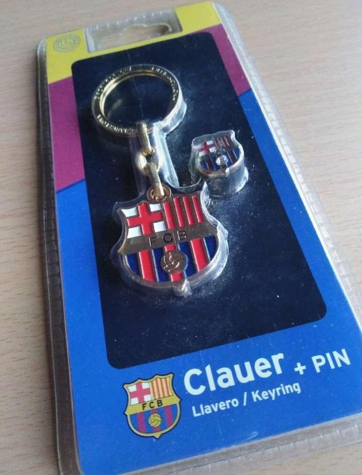 Imagen Llavero y pin oficial del Barça.