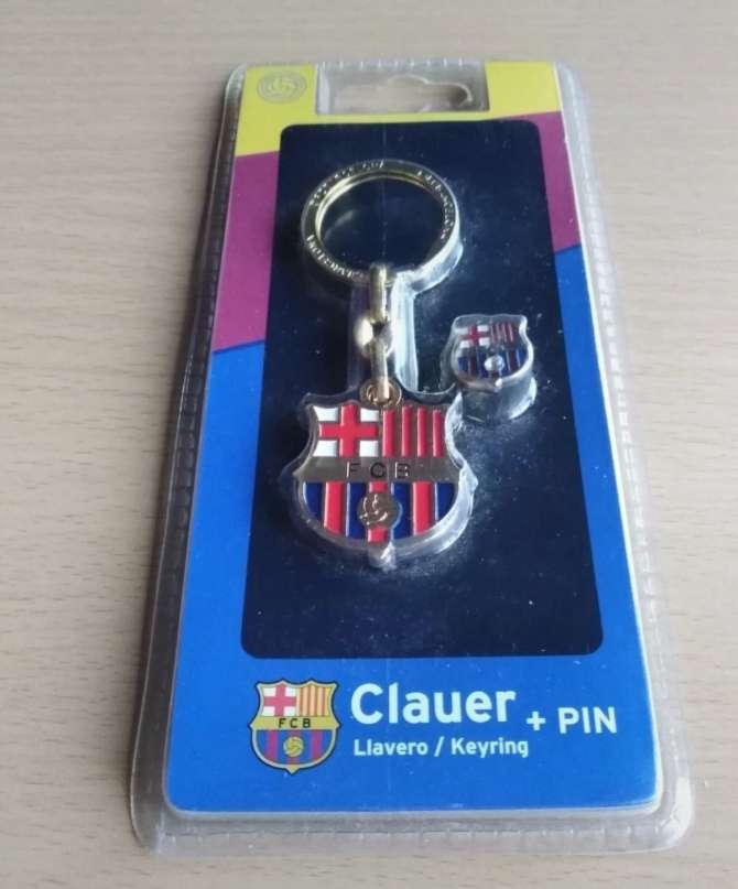 Imagen producto Llavero y pin oficial del Barça.  3