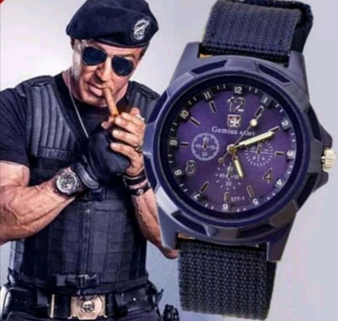 Imagen Reloj de Hombre Azul Marino de Cuarzo Deportivo - Militar, a estrenar