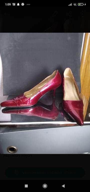 Imagen zapatos señora granates