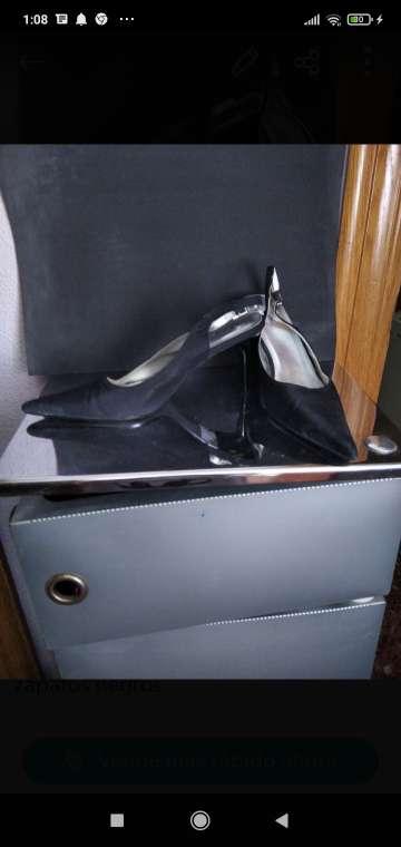 Imagen zapatos de señora tacón bajo